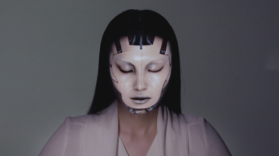 OMOTE / REAL-TIME FACE TRACKING & PROJECTION MAPPING.