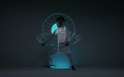 Real time tracking and projection mapping